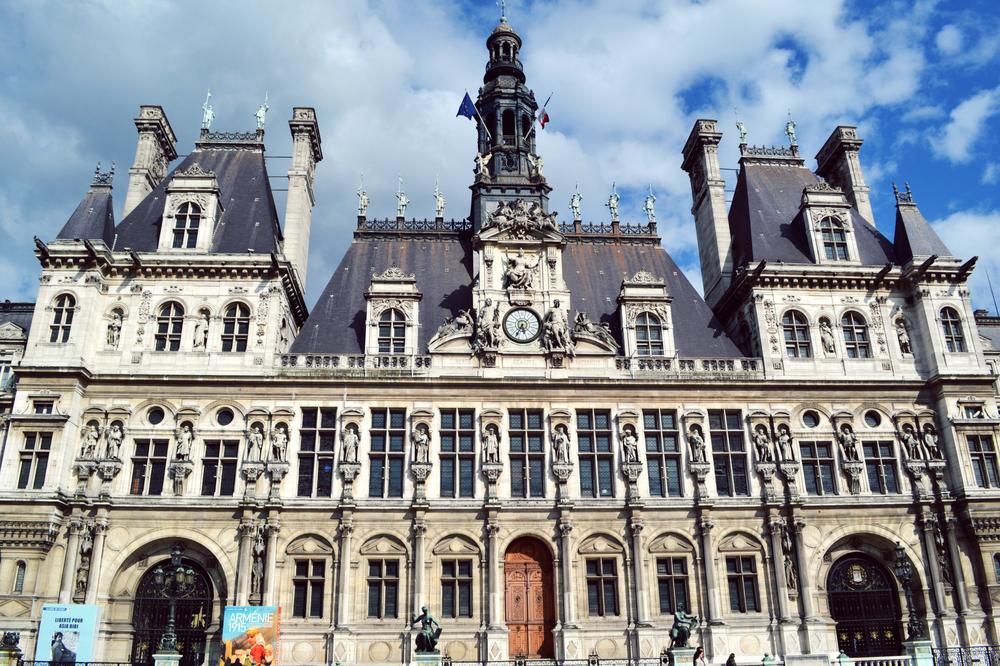 Mairie de Paris Hôtel de Ville (photo: mmkarabella / Shutterstock.com)