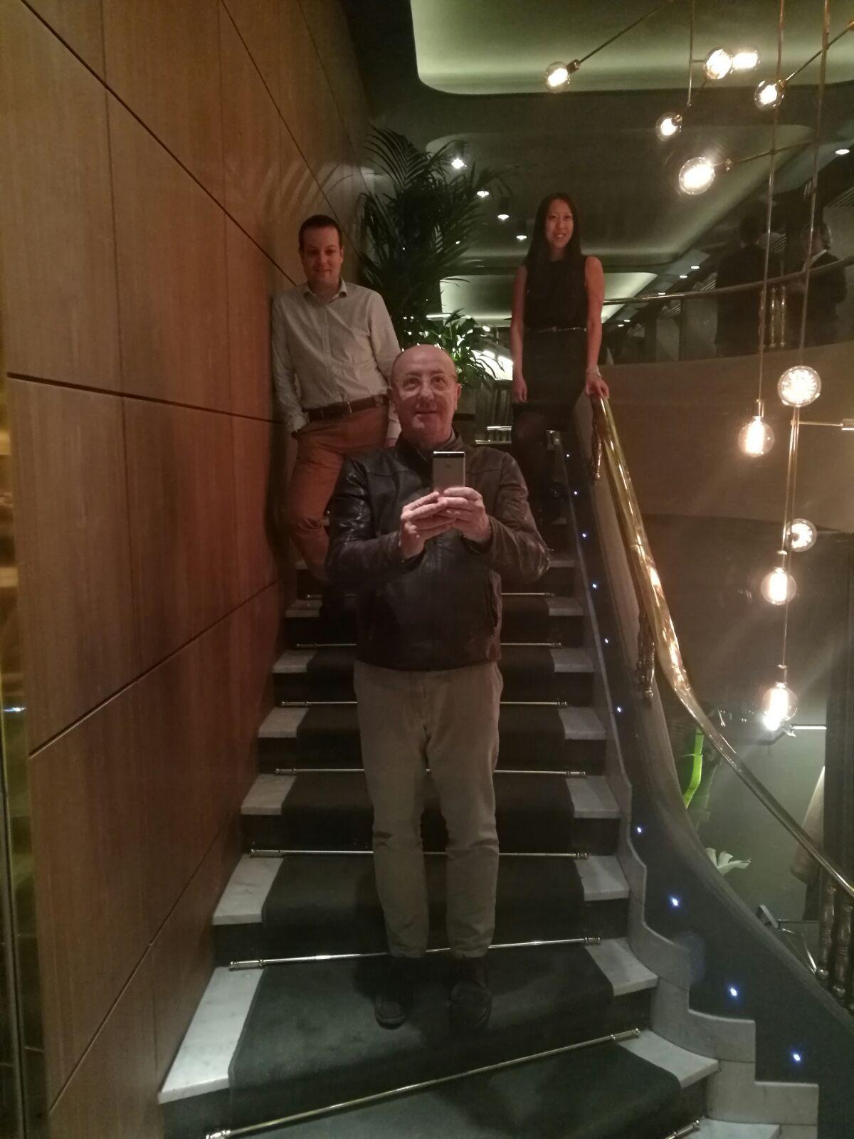 La Primera - Mirror selfie with Paco Quirós the owner