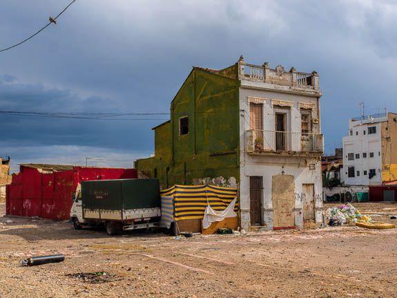 Demolished areas of El Cabanyal add uncertainty