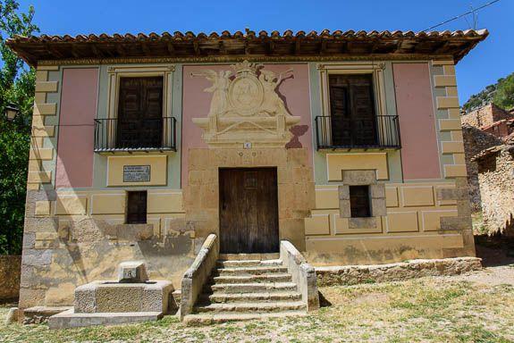 La Estrella's most famous citizen was Silvio Zafont Colomer, the bullfighter