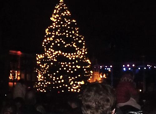 Delft Lichtjesavond Christmas tree lighting carols songs
