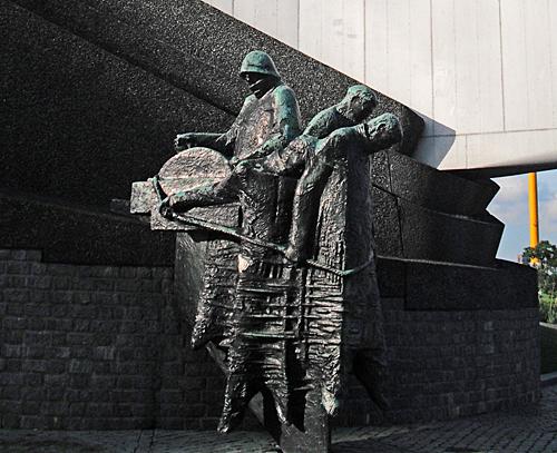 sailors WWII monument Rotterdam
