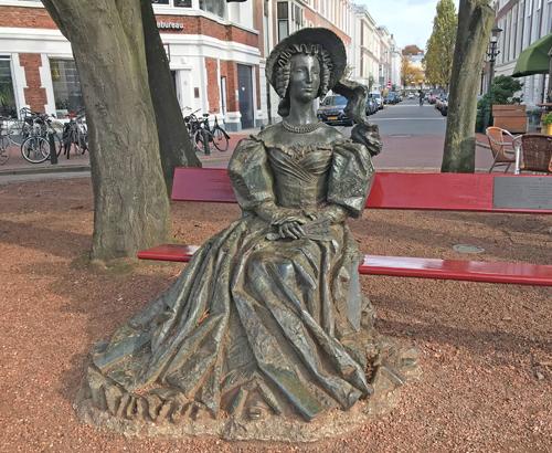 Anna Paulowna statue The Hague Koningsplein