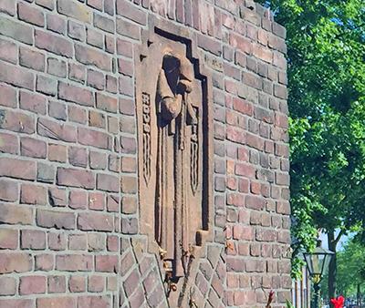 Gijselaarsbank brick bench monument Leiden