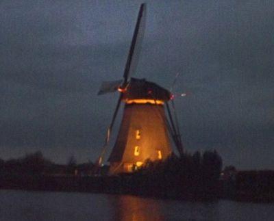 Kinderdijk windmill at night